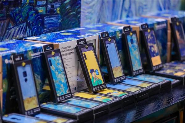 深圳梵高展聚象科技全程提供AR互动技术支持